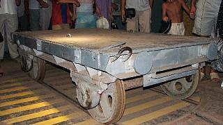 Вагонетка для транспортировки торпед и боеголовок по территории базы