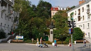 Памятник Суворову на одноименной площади
