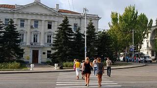 Площадь Суворова