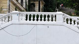 Одна из многочисленных лестниц Севастополя