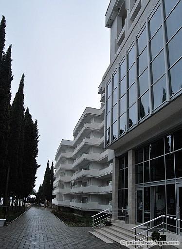 """Отель """"Кичкинэ"""", на территории которого находится одноименный дворец"""