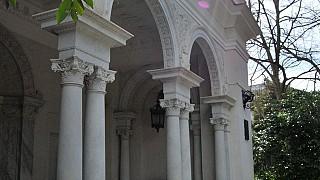 Портик главного входа во дворец. Ливадия