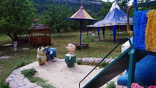 """Детская площадка на ферме """"Чудо-ослик"""""""