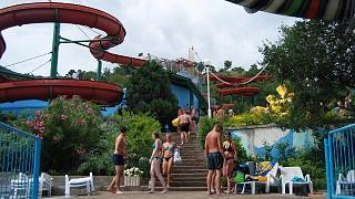Территория аквапарка