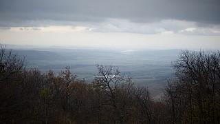 Вид с Чатырдага на окрестности в районе пещеры
