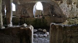 Алтарь пещерной церкви