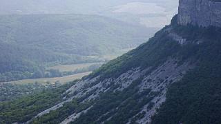 Вид на окрестлежащие горы