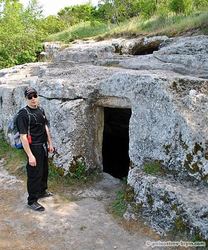 Пещерная церковь с баптистерием