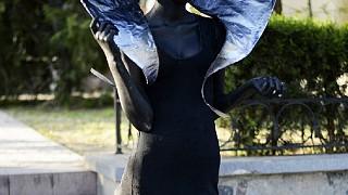 Одна из демонических статуй
