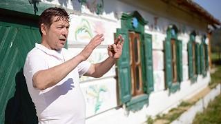 Экскурсию ведет Олег Потапов