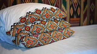 По количеству подушек на кровати можно было понять, из скольких человек состоит семья