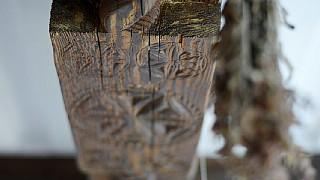 Сволок - главная балка, поддерживающая потолок в хате. На нем - символические знаки