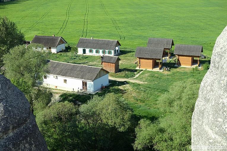 """Вид на музейный комплекс """"Родное село"""" с горы Крокодил"""