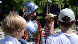 Фото с рыцарем на память