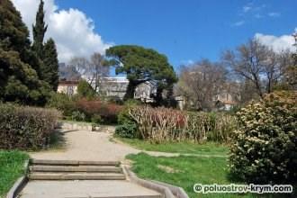Воронцовский парк в конце апреля. Алупка, Крым. Фото Ольги Иутиной