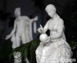 Скульптуры из Зимнего сада Воронцовского дворца. Фото Ольги Иутиной